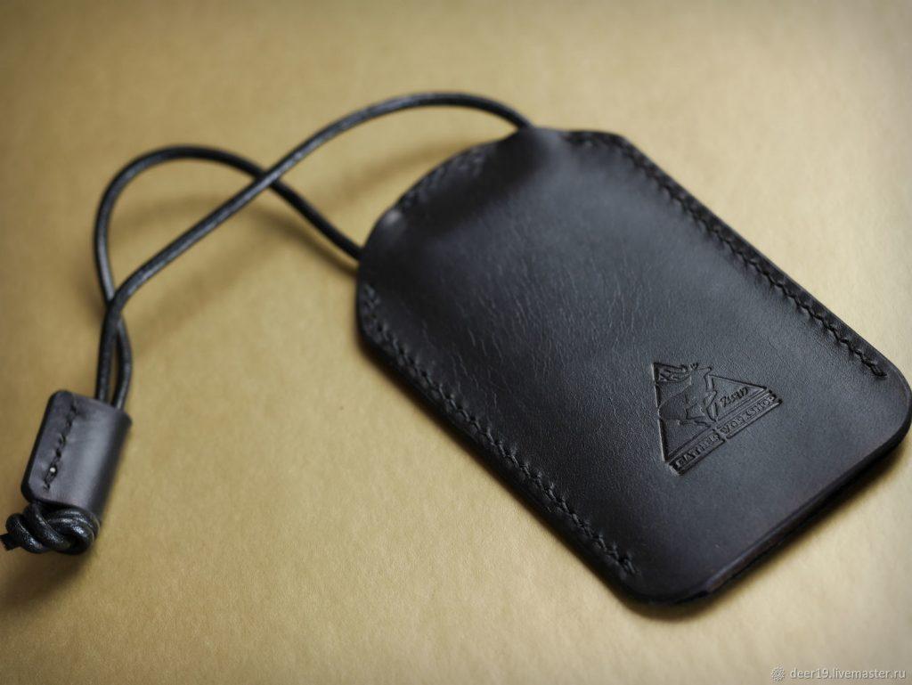 Na-shnurke-1024x769 Ключницы кожаные, особенности, плюсы, правила применения