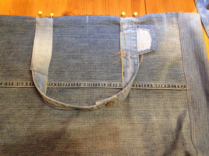 Prishit-ruchki-k-osnovnoj-chasti Большая пляжная сумка из старых джинсов своими руками